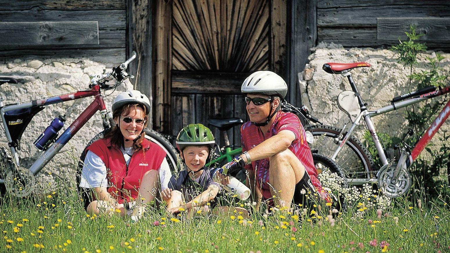 Radfahren Familie © Steiermark Tourismus Harry Schiffer