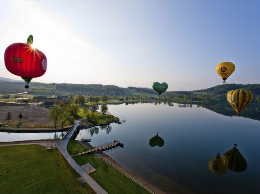 Heißluftballone über dem Stubenbergsee